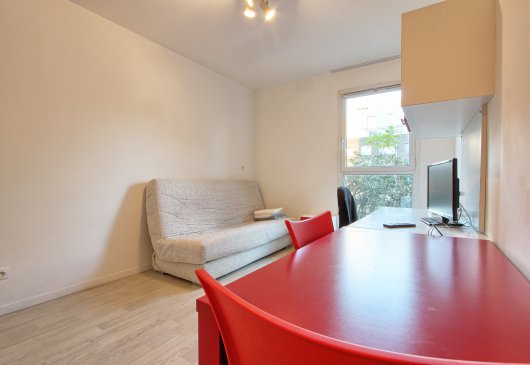 Studio 18 m² - centre of St-Ouen