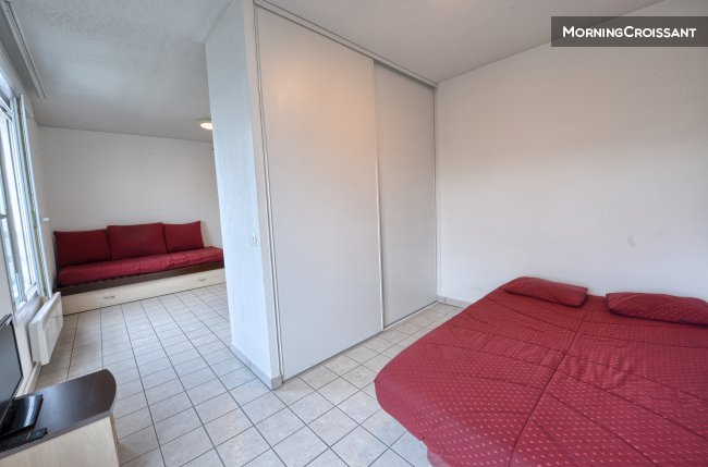 Full-service 1BR for 2 people
