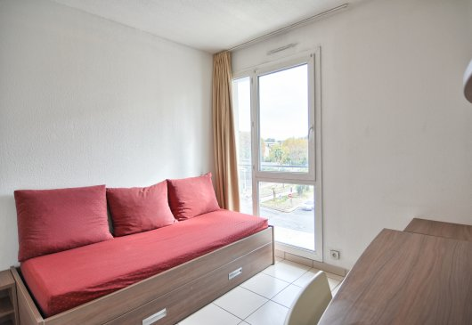 Cheap studio in Toulon city