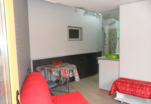 All furnished apt ground floor
