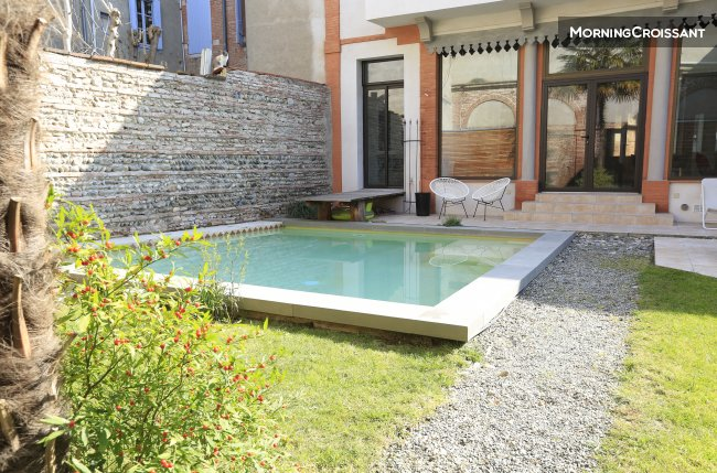 House of charm, pool & garden