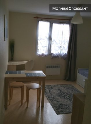 Renovated studio fully furnished