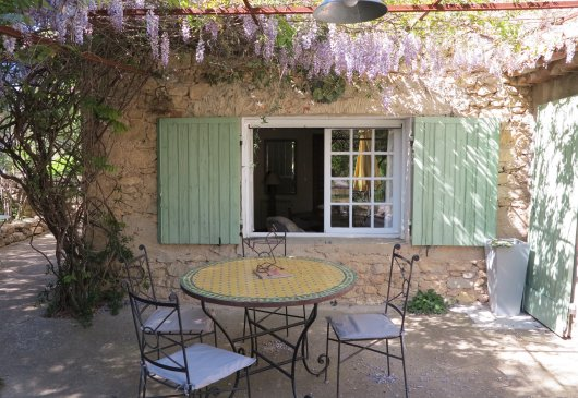 Stone house in Luberon heart