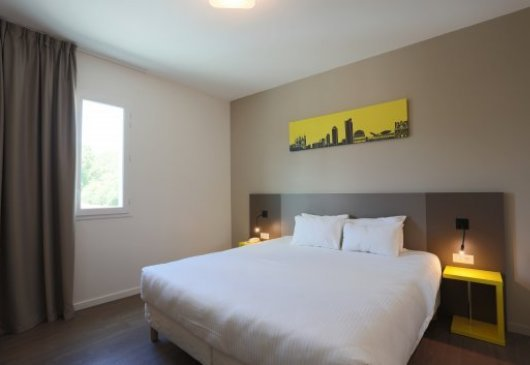 Furnished 1 br flat