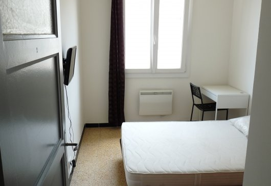 rents 4 rooms private toulon