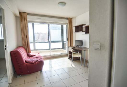1BR flat with big terrace