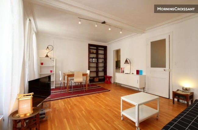 1 BDR APARTMENT - REPUBLIQUE