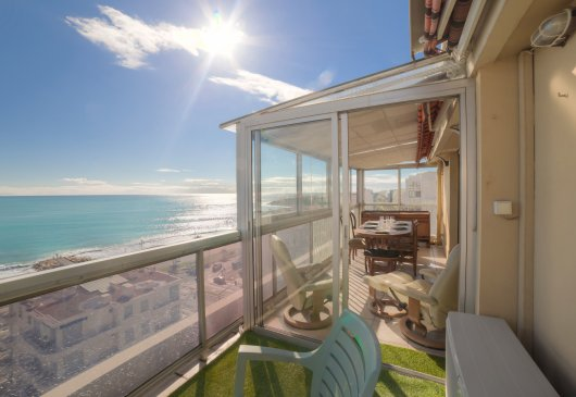Stunning 2BR with sea view