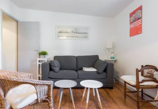 1 br flat, very calm and renovated