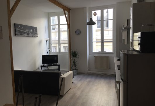 Renovated room shared apartment