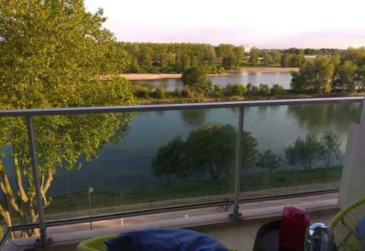 Dinner with a view of the Loire