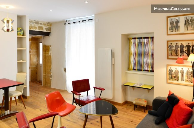 Magnificent renovated 1BR Bellecour
