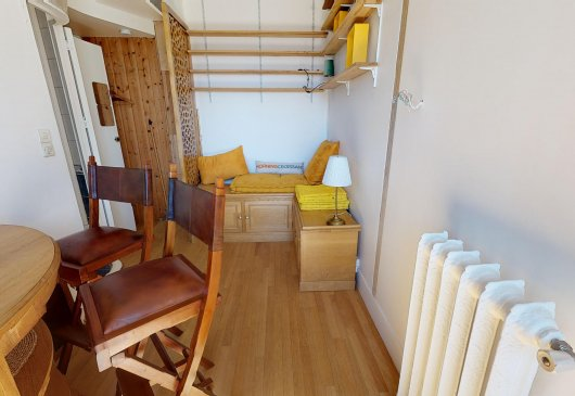Small 1 bedroom furnished apartment