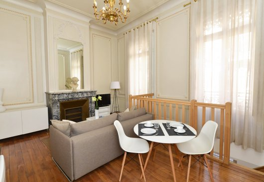 Beautiful Haussmanian apartment