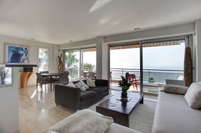 3P-Terrace and incredible Sea View!