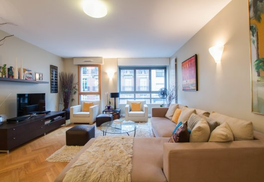 2 bedroom apartment Passy La Muette