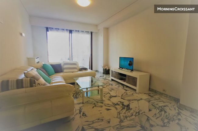 Spacious 3-room flat with  terrace