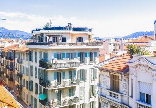 Flat overlooking the Baie des Anges