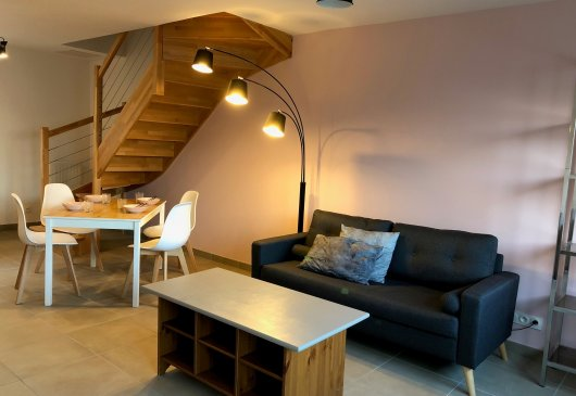 1BR renovated duplex Bordeaux