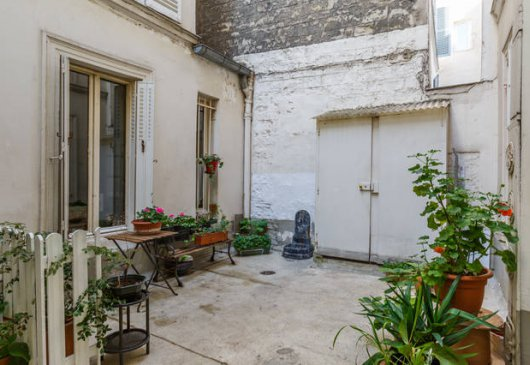 Studio in Montmartre / 100 m Abbess